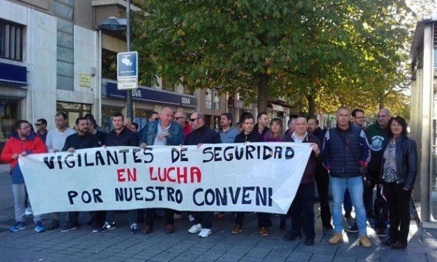 Trabajadores de la Seguridad Privada se concentran en Pamplona para exigir un convenio justo