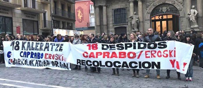 Manifestación en Pamplona contra los 18 despidos de Caprabo-Eroski