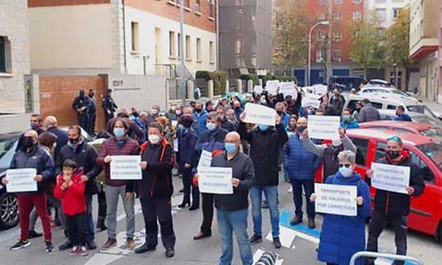 """Los sindicatos del Transporte de Viajeros de Navarra acusan a la patronal de """"pretender la desaparición del convenio con chantaje"""""""