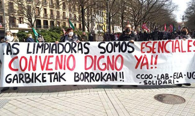 El sector de la limpieza se moviliza en Navarra en defensa de su convenio
